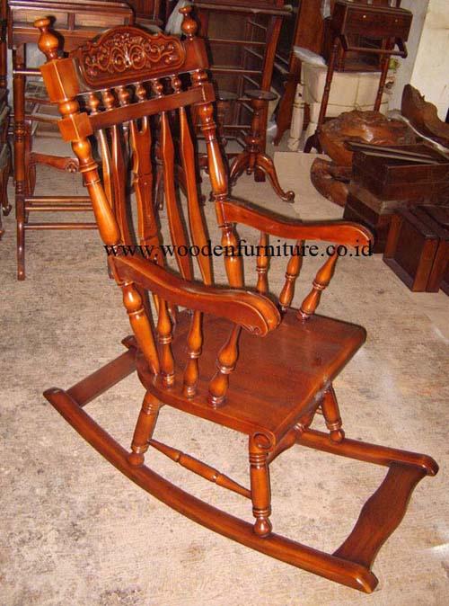قیمت صندلی گهواره ای چوبی