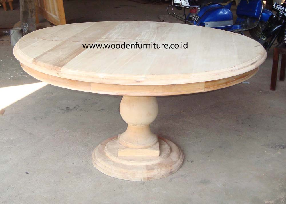 Antique round dining table in Jepara online store CV  : 10745 from 2324.id.all.biz size 1000 x 715 jpeg 88kB