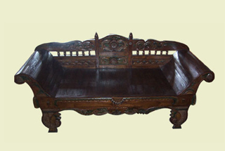 Sofa Antik Carving