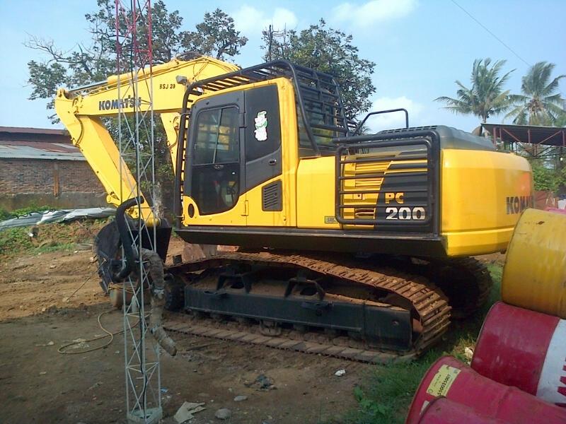 Buy Used Komatsu Excavator PC 200-6
