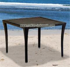 Table Valencia Square