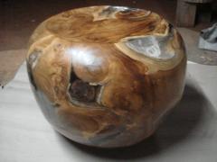 Teak root and resin