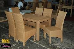 Chair rotan sintetis