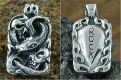 Pendant Serpent Skull Rock