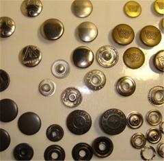 Buttons Brass