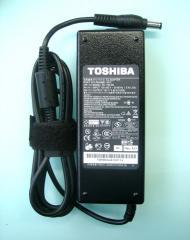 Adaptor TOSHIBA 19V - 3.95A ( COMPATIBLE)