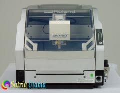 Roland DWX-50 5-Axis Dental Milling Machine