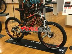 2017 Scott Genius 720 Plus Mountain Bike (GOCYCLESPORT)