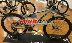 2017 Scott Scale 740 Mountain Bike (GOCYCLESPORT)