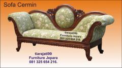Mebel sofa cermin