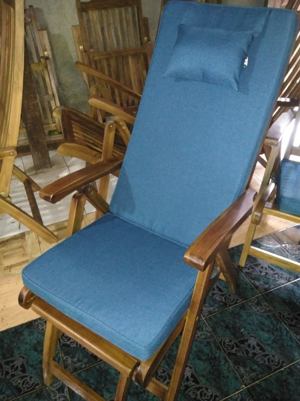 steamer_deskchair_and_dorset